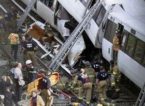 AP Photo/Pablo Martinez Monsivais EMS workers respond to the DC Metro crash on June 23 in Washington, D.C., that killed nine passengers.