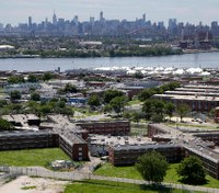 Mentally ill Rikers inmate slashes 2 COs with pen