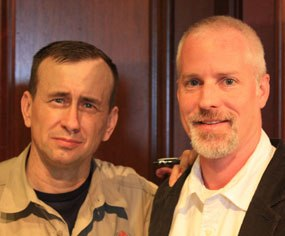 Lt. Col. Dave Grossman, pictured with PoliceOne Editor-in-Chief Doug Wyllie, spoke before a crowd of more than 250 police officers in an event hosted by the California Peace Officers Association. (Photo/PoliceOne)