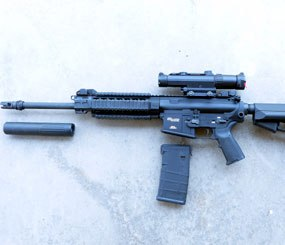 In addition to the included Magpul magazines, the 716 comes with the Magpul MIAD pistol grip and ACS buttstock.