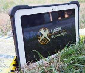 The RangerX tablet uses a rugged display glass and a plastic encased magnesium frame with corner bumpers.