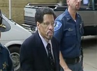 Court extends order blocking 'Angola 3' member's release