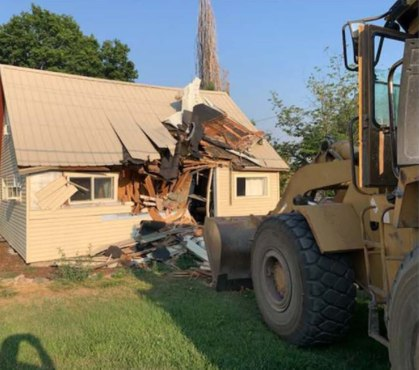 Sheriff: Per new law, deputies stopped pursuing bus thief who drove into home