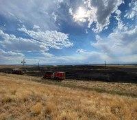 3 FFs injured, 2 engines damaged in Colo. grass fire