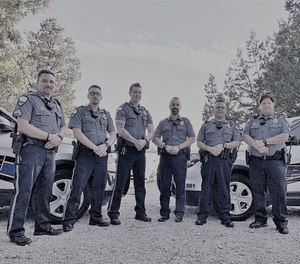 Mitarbeiter der Kimberling City Police posieren am 14. August 2020 für ein Foto.