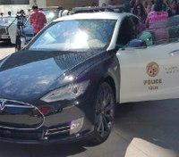 Tesla tests cars for police market