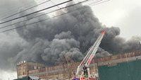 6 FDNY members injured in 5-alarm warehouse blaze
