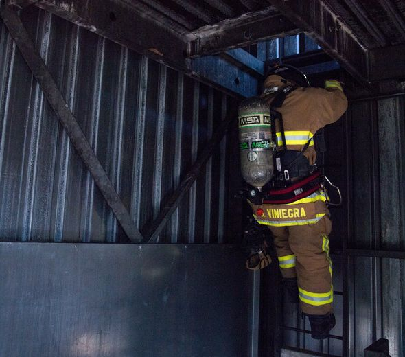 FIREFIGHTER FIRE DEPARTMENT FIRE FIGHTER FIREMAN IRON-ON 2-PATCH SET