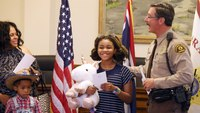 11-year-old on mission to hug cops in all 50 states