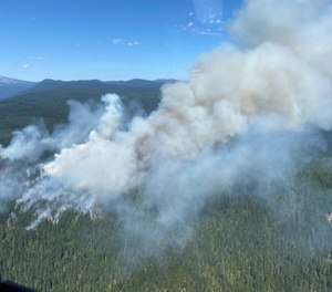 A helicopter pilot was killed while battling the White River Fire in Oregon on Monday, officials say. (Photo/U.S. Forest Service)