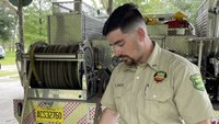 Fla. firefighters use vacation time to help battle wildfires out west