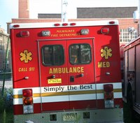 2 Milwaukee EMTs injured in FD ambulance crash