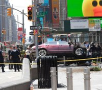 Graphic video: 1 dead, 22 hurt after car crashes into Times Square crowd