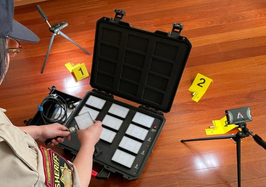 CSI photographers can deploy calibrated lighting when they arrive on scene. If you use smartphone lenses, there is room in the MC-12 accessory drawer to store them, so they don'tget lost.