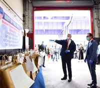 NYC mayor, FDNY commissioner deliver meals to Manhattan EMS station