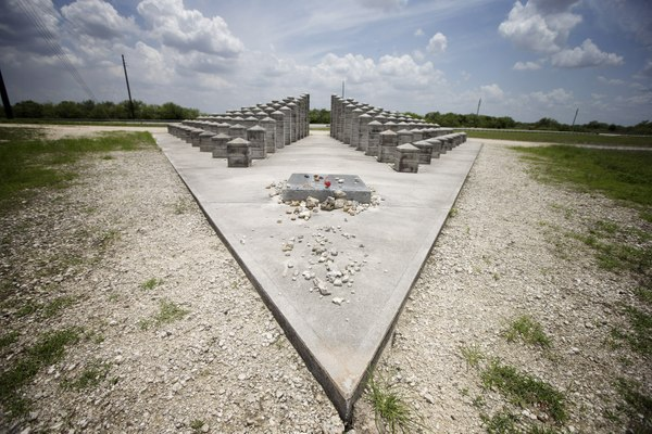 Video: Miami-Dade first responders reflect 25 years after plane crash that killed 110 people