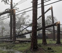 Hurricane Michael kills 2, leaves path of destruction