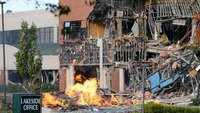 Gas explosion destroys Md. office, shopping complex
