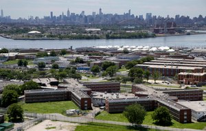 More than three dozens of people have tested positive for coronavirus in New York City jails, including at the notorious Rikers Island jail complex. Image: AP Photo/Seth Wenig