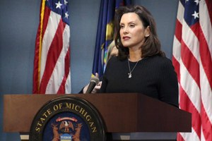 Gov. Gretchen Whitmer addresses the state during a speech in Lansing, Mich., Wednesday, April 29, 2020. The governor on Wednesday proposed free college for health care workers and others involved in the coronavirus fight, likening their service during the pandemic to soldiers who got a free education after returning home from World War II. Image: Michigan Office of the Governor via AP