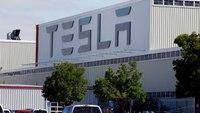 Elon Musk defies county lockdown order, restarts Calif. Tesla factory