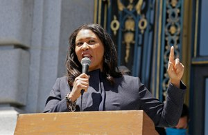 In this photo taken June 1, 2020, San Francisco Mayor London Breed speaks to a group protesting police racism outside City Hall in San Francisco. Image: AP Photo/Eric Risberg