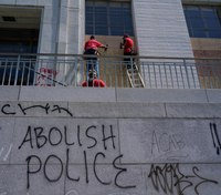 Oakland rioters vandalize police station, set fire to courthouse
