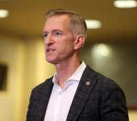 Portland mayor says he'll move after protest outside his condo draws arrests
