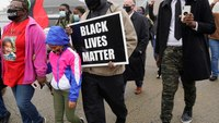 Fatal OIS in Chicago suburb sparks protests, state investigation