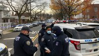 2 US marshals wounded, fugitive killed in Bronx shootout