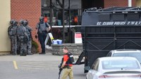 4 people freed from ongoing Minnesota bank robbery standoff