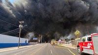200+ firefighters fight Phoenix recycling plant blaze