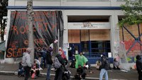 Report: Abandonment of Seattle police precinct didn't violate policy