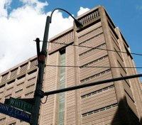NYC CO seriously injured after inmate attacks her with shiv