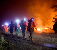 Calif. legislators push to let former inmates become firefighters