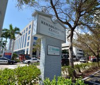 Firefighters, paramedics questioned in fatal Fla. nursing home incident