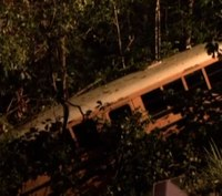 NC girls' volleyball team bus plunges down embankment; 14 hurt