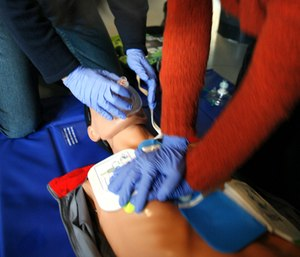 The American Heart Association is recommending new CPR education strategies to increase cardiac arrest survival rates. (Photo/Wikimedia Commons)