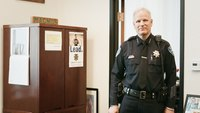 Ariz. police chief wants mental health experts working 911 dispatch center