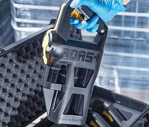 The BDAS+ handheld unit from Decon7 Systems automatically mixes and delivers the D7 decontamination solution to break down contaminants including soot and formaldehyde, as well as bacteria, viruses and narcotics. (image/Decon7 Systems)