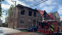 2 St. Louis firefighters injured battling blaze