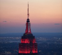 Video: Empire State Building lit up like ambulance siren to honor COVID-19 responders