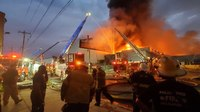 Philadelphia FF injured battling 6-alarm warehouse fire