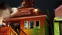 2 Chicago firefighters hospitalized after mayday at house fire