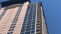Window washer dangling from Texas skyscraper rescued