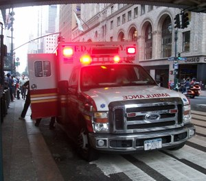 The FDNY and NYPD responded to thousands of fake emergency calls allegedly made by a Bronx woman from a pre-paid cellphone. (Photo/Kevin.B via Wikimedia Commons, CC BY-SA 3.0)