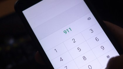 What happens if you call 911 and no one picks up?
