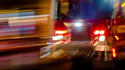 Is fire engine transport ever the best choice for an injured child?