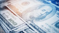 Kan. county approves $2.5Ksigning bonus for paramedics