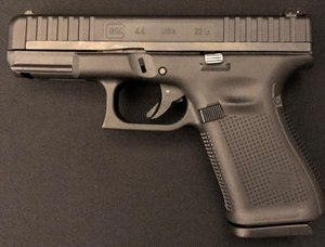 The G44 enjoys many of the Gen5 features like slide serration and no finger grooves. (Photo/Sean Curtis)